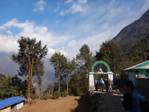 ルクラ村の出口