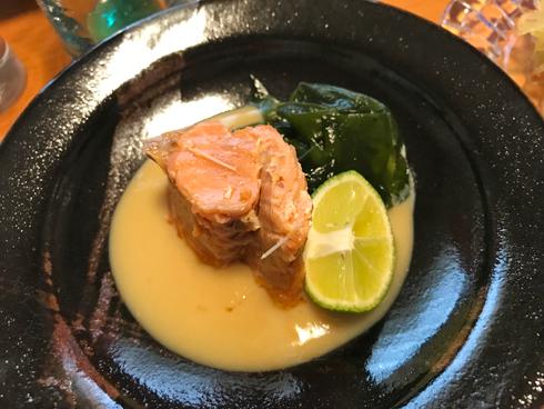 佐藤水産の鮭缶を味噌和えに