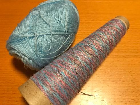 家にあった毛糸の細糸