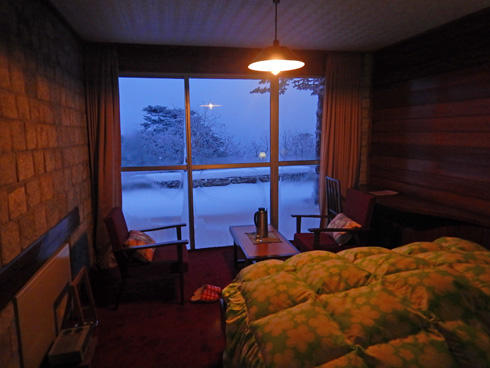 早朝の部屋